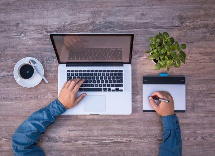 Kursy online - podstawowe zalety