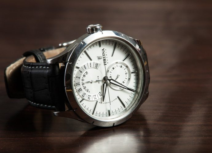 Co znajdziemy w ofercie sklepu z zegarkami?
